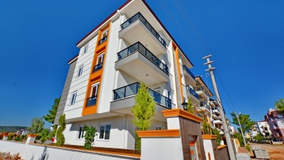 Exterior image - Cheap and spacious two-bedroom apartments with central location in Kepez-Antalya - 16122