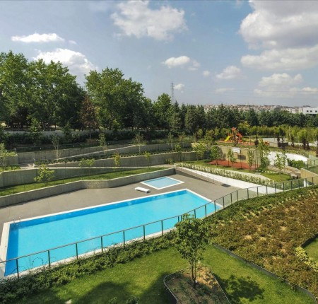 Exterior image - Apartments for sale overlooking Bahcelievler Municipal Park in Istanbul - 25982
